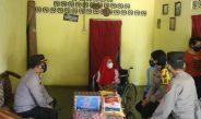 Dua Kali Tidak Terima BLT, Herawati Bisa Senyum Diberikan Bansos Dari Polres Lampung Timur